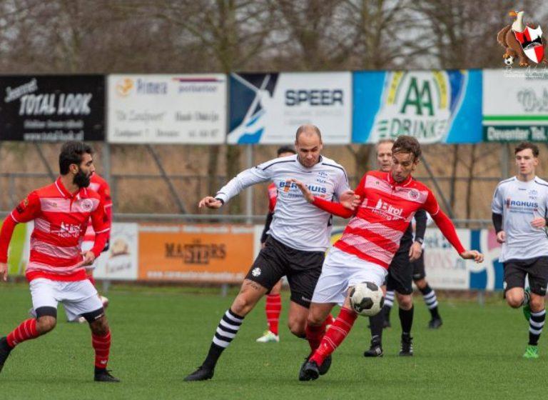 Spelbeeld uit de wedstrijd SV Schalkhaar - Barbaros